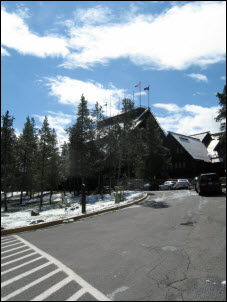 Picture of the Old Faithful Inn at Yellowstone.