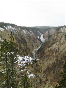 Picture of Yellowstone Falls.